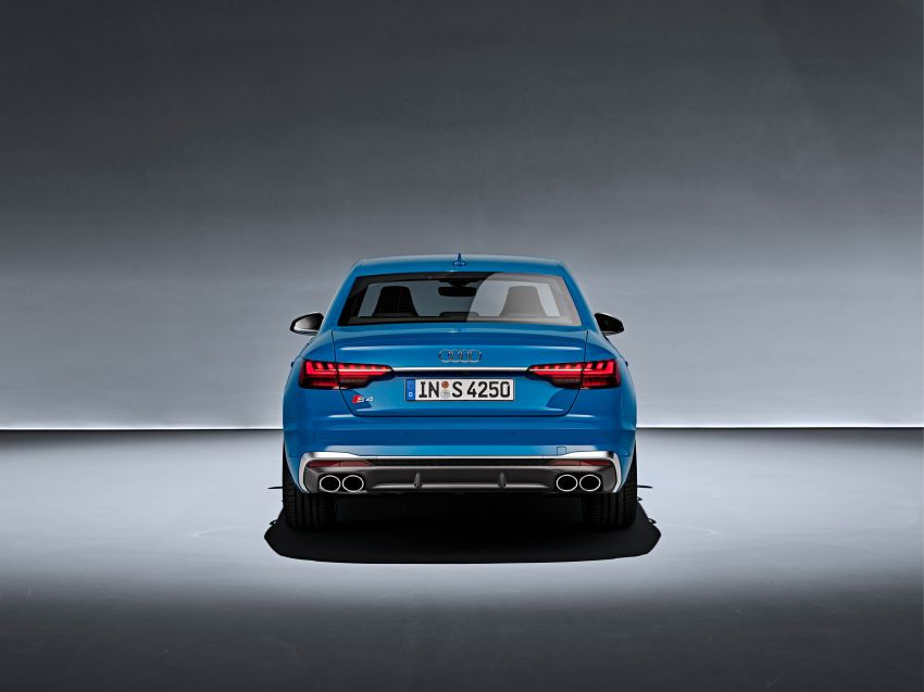 B9 Audi A4 gets a second facelift – revised styling and equipment list; new 12-volt mild hybrid engines Image #959650