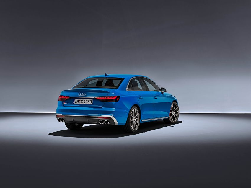 B9 Audi A4 gets a second facelift – revised styling and equipment list; new 12-volt mild hybrid engines Image #959651