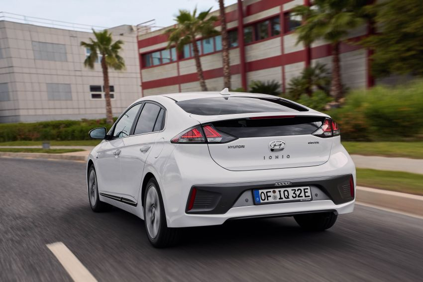 2019 Hyundai Ioniq facelift gets detailed – styling and equipment updates; EV version gains larger battery Image #956816
