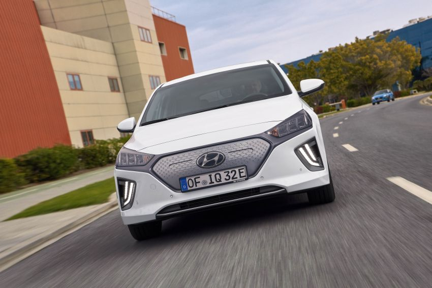 2019 Hyundai Ioniq facelift gets detailed – styling and equipment updates; EV version gains larger battery Image #956817