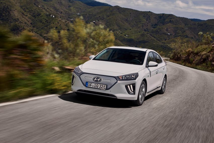 2019 Hyundai Ioniq facelift gets detailed – styling and equipment updates; EV version gains larger battery Image #956819