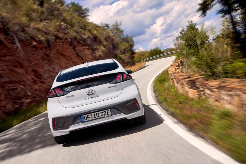 2019 Hyundai Ioniq facelift gets detailed – styling and equipment updates; EV version gains larger battery Image #956823