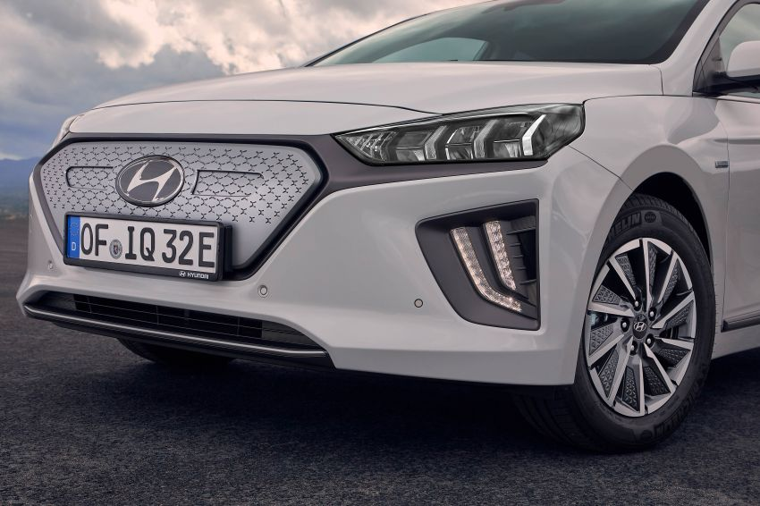 2019 Hyundai Ioniq facelift gets detailed – styling and equipment updates; EV version gains larger battery Image #956831