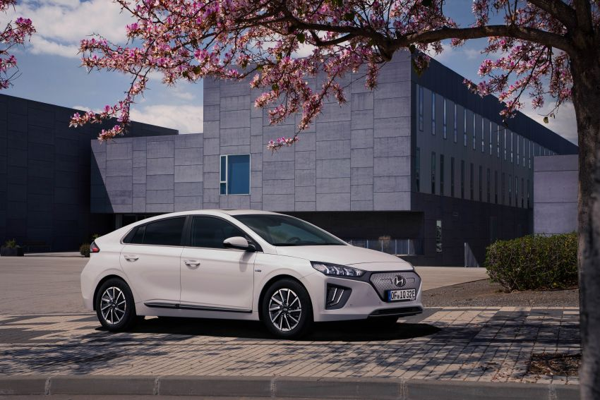 2019 Hyundai Ioniq facelift gets detailed – styling and equipment updates; EV version gains larger battery Image #956807