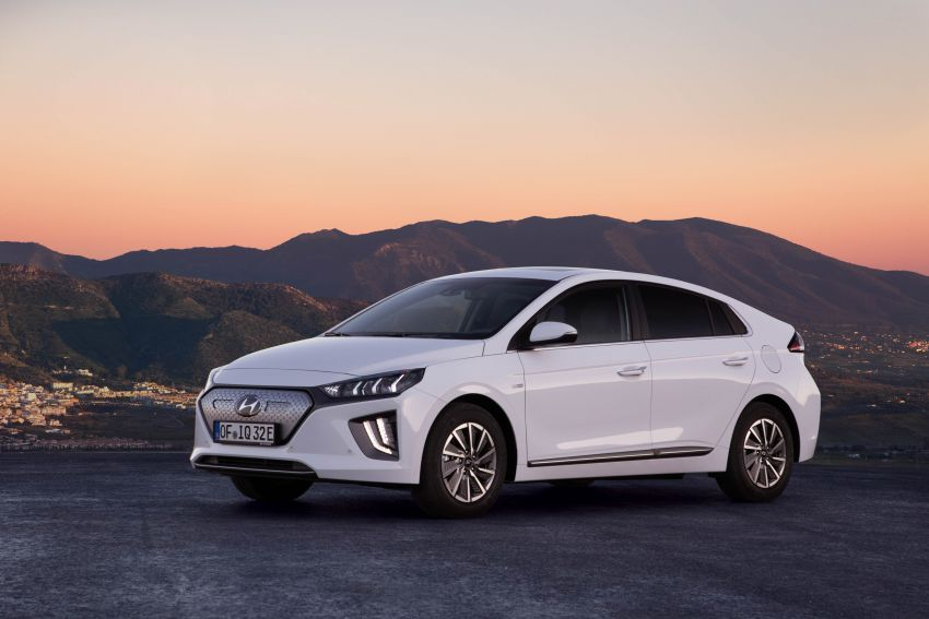 2019 Hyundai Ioniq facelift gets detailed – styling and equipment updates; EV version gains larger battery Image #956809