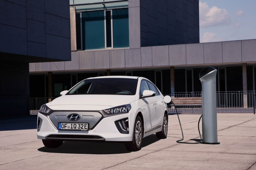 2019 Hyundai Ioniq facelift gets detailed – styling and equipment updates; EV version gains larger battery Image #956812
