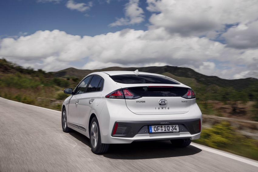 2019 Hyundai Ioniq facelift gets detailed – styling and equipment updates; EV version gains larger battery Image #956735
