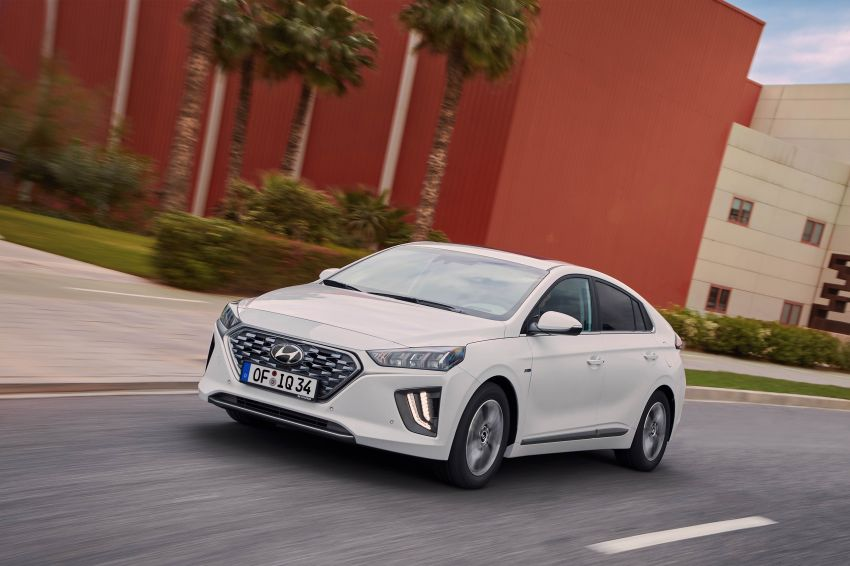 2019 Hyundai Ioniq facelift gets detailed – styling and equipment updates; EV version gains larger battery Image #956737