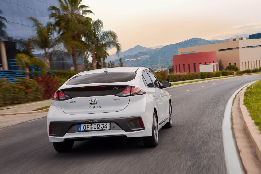 2019 Hyundai Ioniq facelift gets detailed – styling and equipment updates; EV version gains larger battery Image #956743