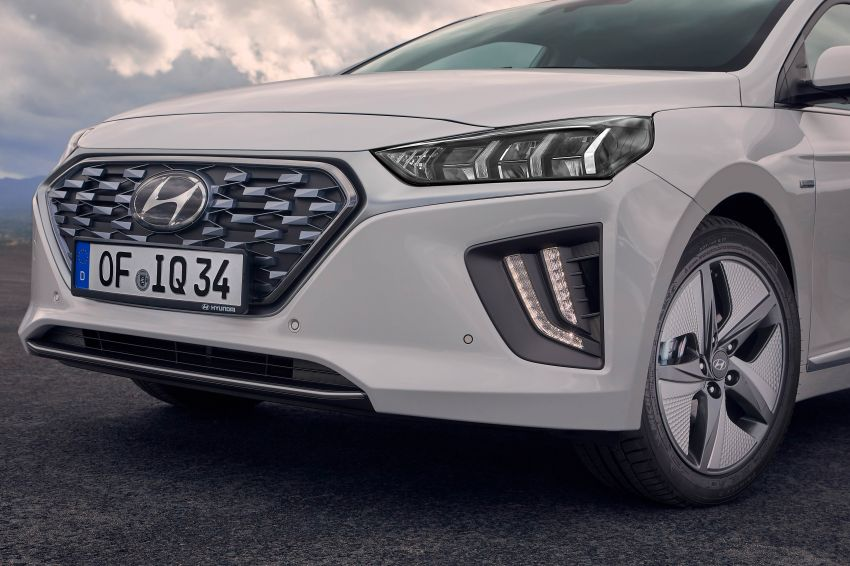 2019 Hyundai Ioniq facelift gets detailed – styling and equipment updates; EV version gains larger battery Image #956744