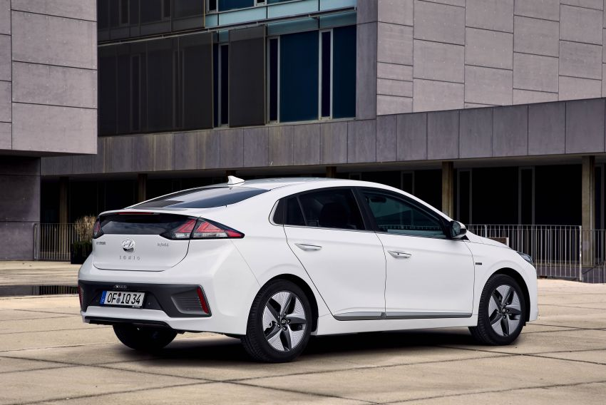 2019 Hyundai Ioniq facelift gets detailed – styling and equipment updates; EV version gains larger battery Image #956723