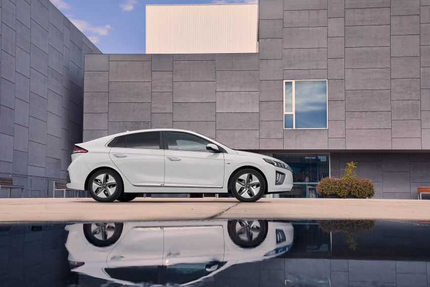 2019 Hyundai Ioniq facelift gets detailed – styling and equipment updates; EV version gains larger battery Image #956725