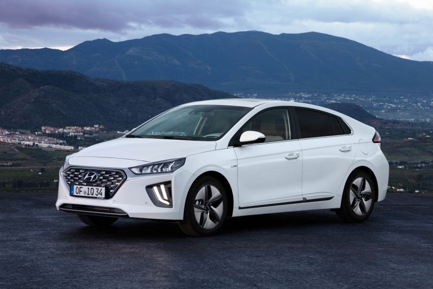 2019 Hyundai Ioniq facelift gets detailed – styling and equipment updates; EV version gains larger battery Image #956729