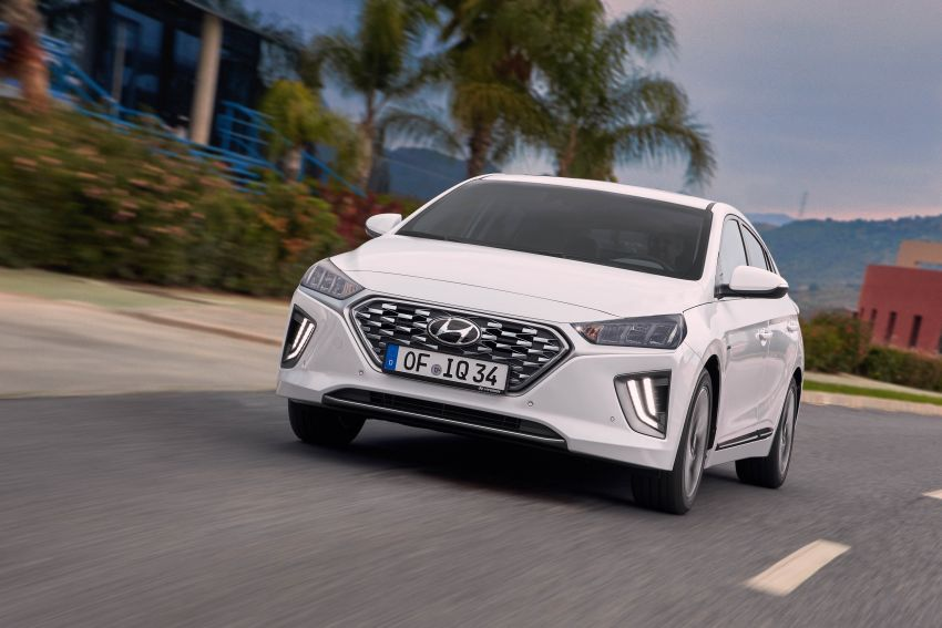 2019 Hyundai Ioniq facelift gets detailed – styling and equipment updates; EV version gains larger battery Image #956731