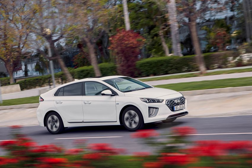 2019 Hyundai Ioniq facelift gets detailed – styling and equipment updates; EV version gains larger battery Image #956732