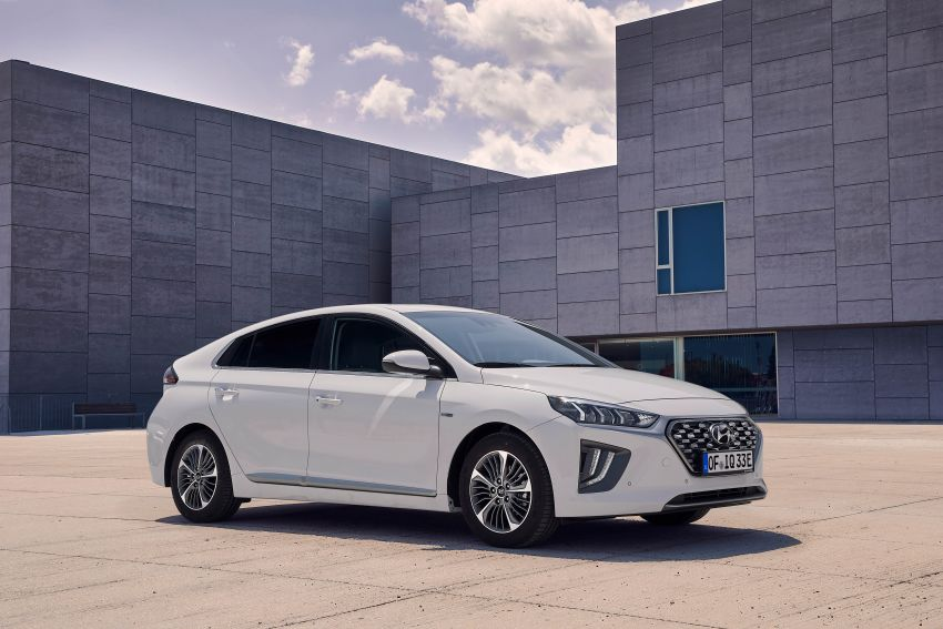 2019 Hyundai Ioniq facelift gets detailed – styling and equipment updates; EV version gains larger battery Image #956753