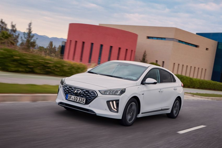 2019 Hyundai Ioniq facelift gets detailed – styling and equipment updates; EV version gains larger battery Image #956780