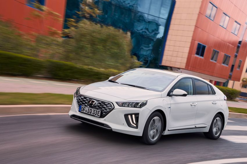 2019 Hyundai Ioniq facelift gets detailed – styling and equipment updates; EV version gains larger battery Image #956782