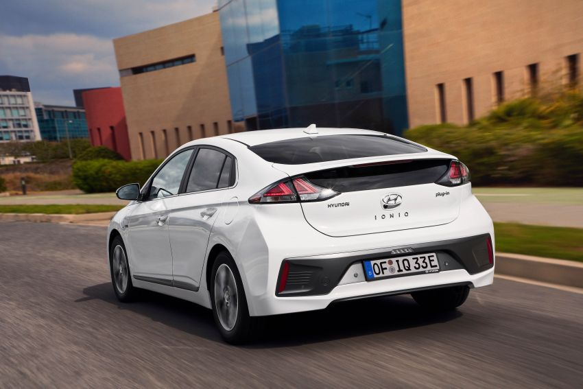 2019 Hyundai Ioniq facelift gets detailed – styling and equipment updates; EV version gains larger battery Image #956784