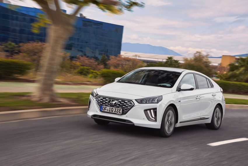 2019 Hyundai Ioniq facelift gets detailed – styling and equipment updates; EV version gains larger battery Image #956787