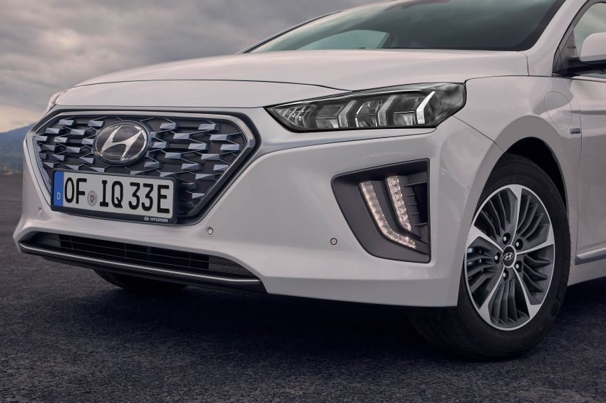 2019 Hyundai Ioniq facelift gets detailed – styling and equipment updates; EV version gains larger battery Image #956790