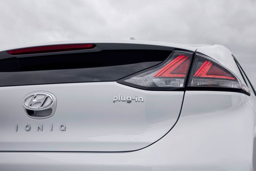 2019 Hyundai Ioniq facelift gets detailed – styling and equipment updates; EV version gains larger battery Image #956794