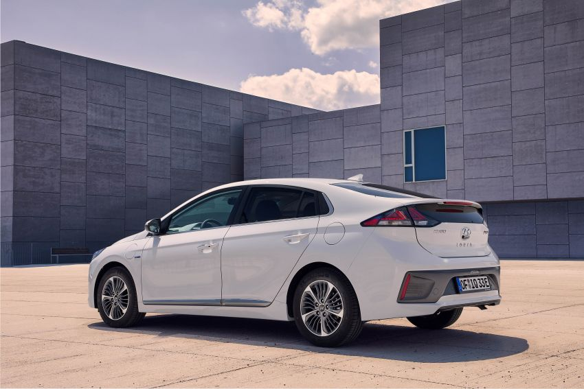 2019 Hyundai Ioniq facelift gets detailed – styling and equipment updates; EV version gains larger battery Image #956755
