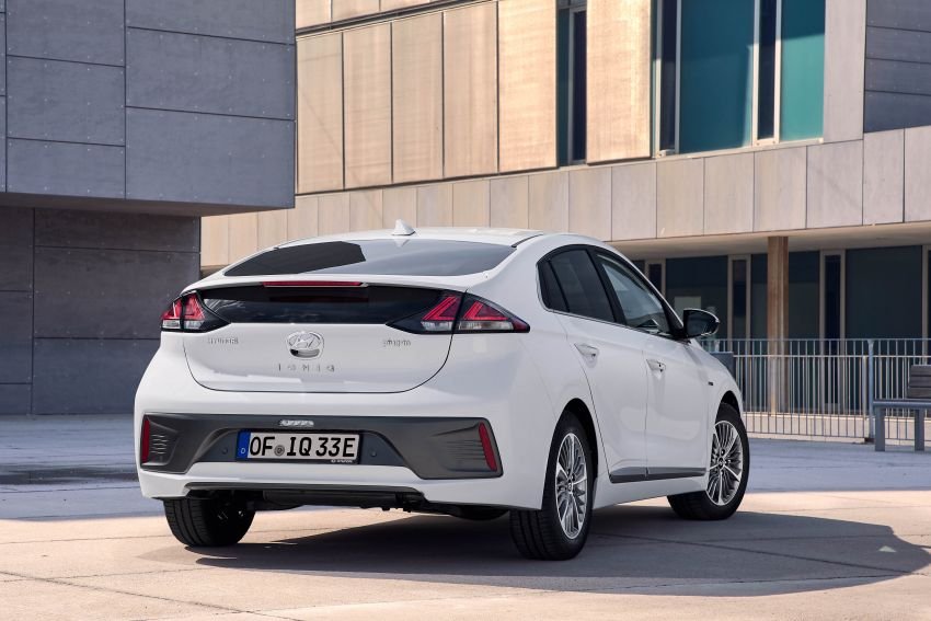 2019 Hyundai Ioniq facelift gets detailed – styling and equipment updates; EV version gains larger battery Image #956761