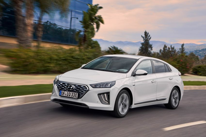 2019 Hyundai Ioniq facelift gets detailed – styling and equipment updates; EV version gains larger battery Image #956767