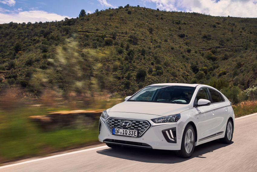 2019 Hyundai Ioniq facelift gets detailed – styling and equipment updates; EV version gains larger battery Image #956773