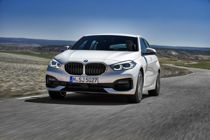 F40 BMW 1 Series makes its debut – third-gen is now front-wheel drive, gets range-topping M135i xDrive Image #963513