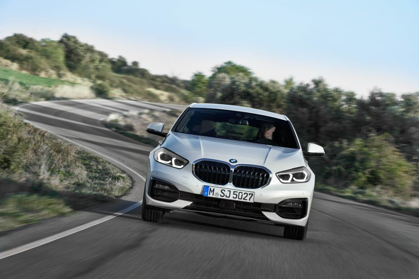 F40 BMW 1 Series makes its debut – third-gen is now front-wheel drive, gets range-topping M135i xDrive Image #963518