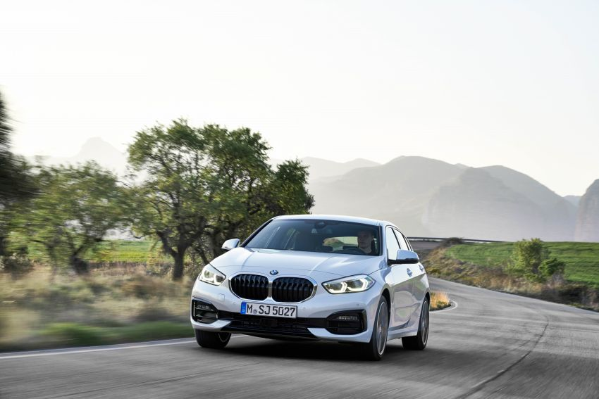 F40 BMW 1 Series makes its debut – third-gen is now front-wheel drive, gets range-topping M135i xDrive Image #963519