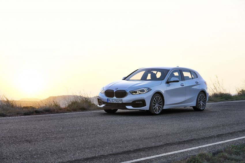 F40 BMW 1 Series makes its debut – third-gen is now front-wheel drive, gets range-topping M135i xDrive Image #963523