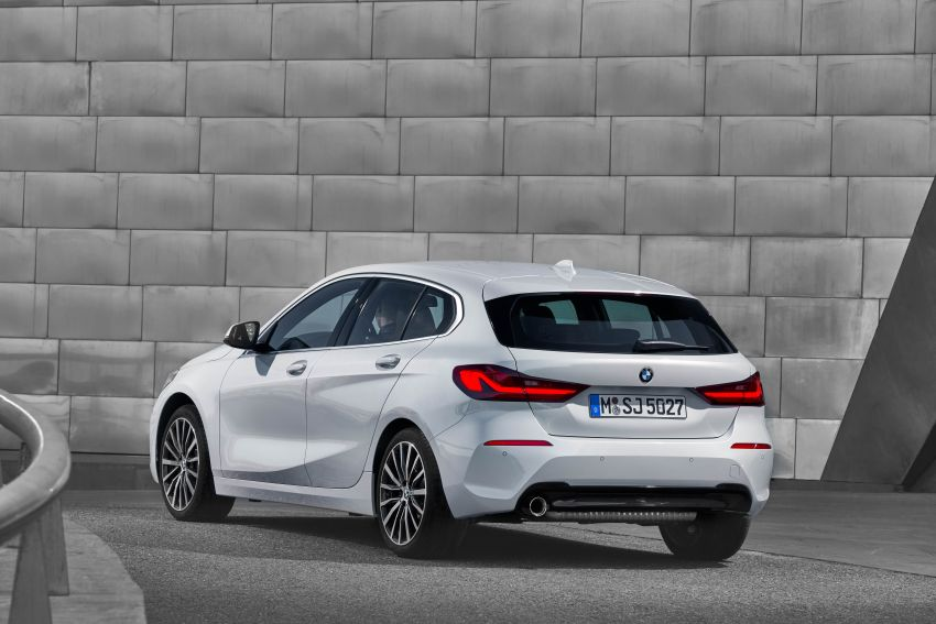 F40 BMW 1 Series makes its debut – third-gen is now front-wheel drive, gets range-topping M135i xDrive Image #963526