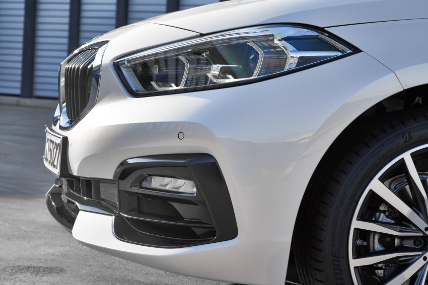 F40 BMW 1 Series makes its debut – third-gen is now front-wheel drive, gets range-topping M135i xDrive Image #963533