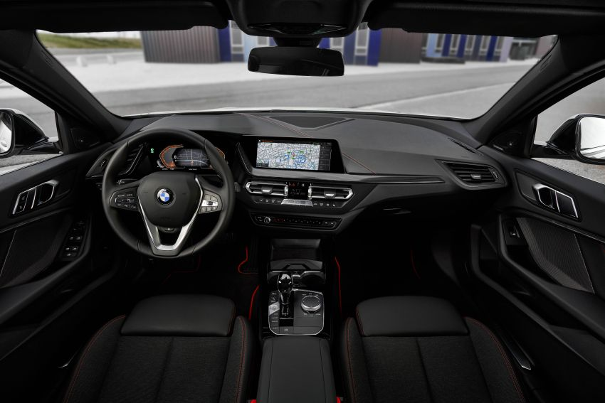 F40 BMW 1 Series makes its debut – third-gen is now front-wheel drive, gets range-topping M135i xDrive Image #963539