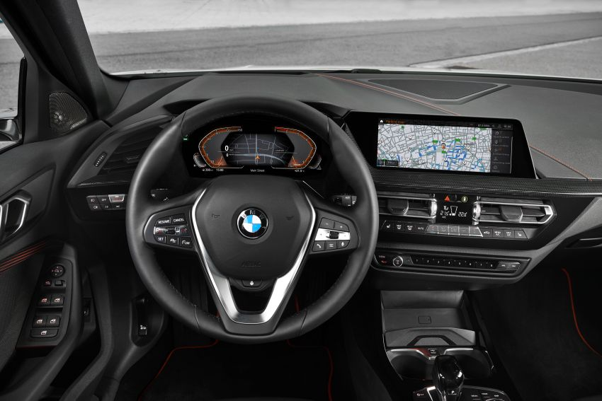 F40 BMW 1 Series makes its debut – third-gen is now front-wheel drive, gets range-topping M135i xDrive Image #963541