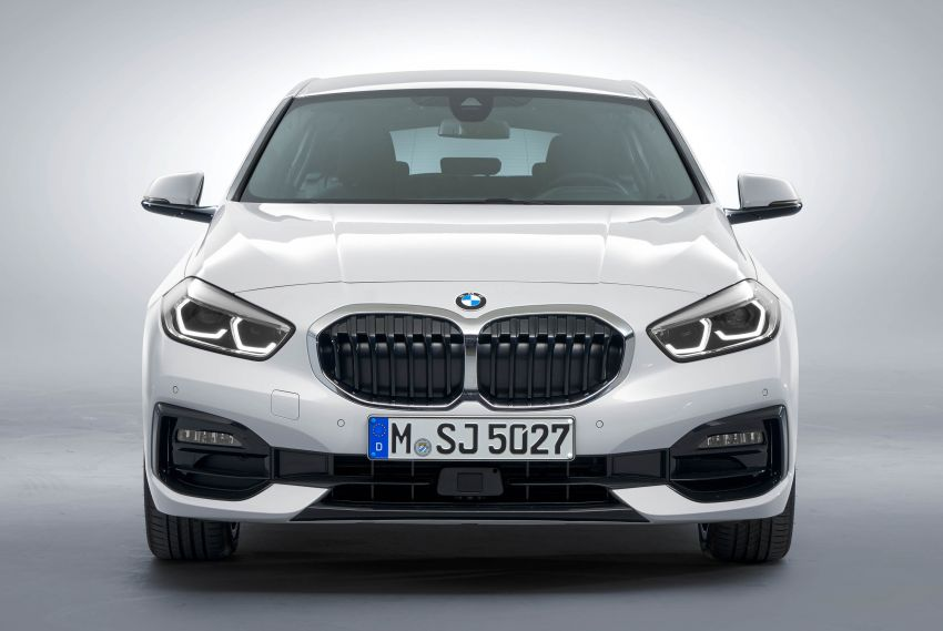 F40 BMW 1 Series makes its debut – third-gen is now front-wheel drive, gets range-topping M135i xDrive Image #963549