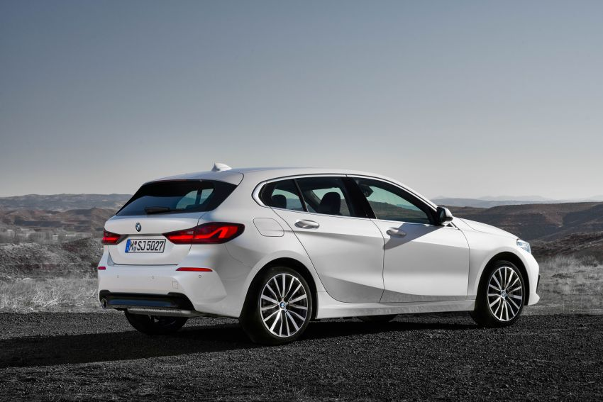 F40 BMW 1 Series makes its debut – third-gen is now front-wheel drive, gets range-topping M135i xDrive Image #963504