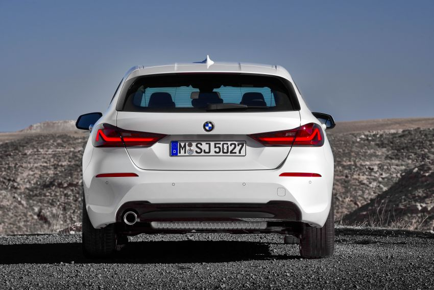F40 BMW 1 Series makes its debut – third-gen is now front-wheel drive, gets range-topping M135i xDrive Image #963507