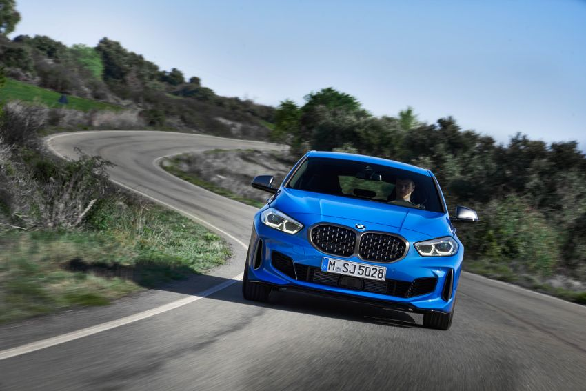 F40 BMW 1 Series makes its debut – third-gen is now front-wheel drive, gets range-topping M135i xDrive Image #963576