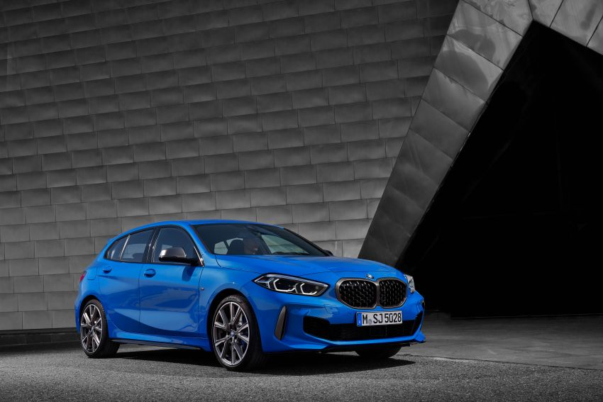 F40 BMW 1 Series makes its debut – third-gen is now front-wheel drive, gets range-topping M135i xDrive Image #963584