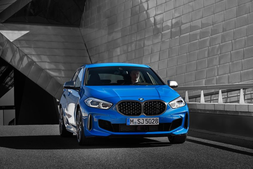 F40 BMW 1 Series makes its debut – third-gen is now front-wheel drive, gets range-topping M135i xDrive Image #963585