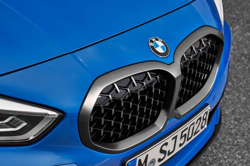 F40 BMW 1 Series makes its debut – third-gen is now front-wheel drive, gets range-topping M135i xDrive Image #963602
