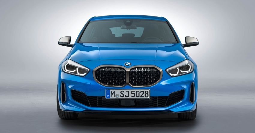 F40 BMW 1 Series makes its debut – third-gen is now front-wheel drive, gets range-topping M135i xDrive Image #963618