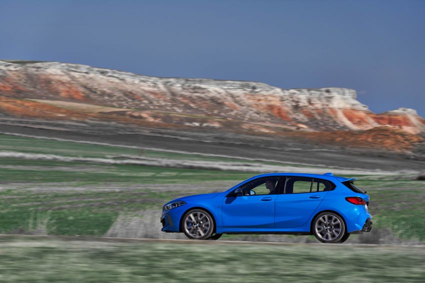 F40 BMW 1 Series makes its debut – third-gen is now front-wheel drive, gets range-topping M135i xDrive Image #963573