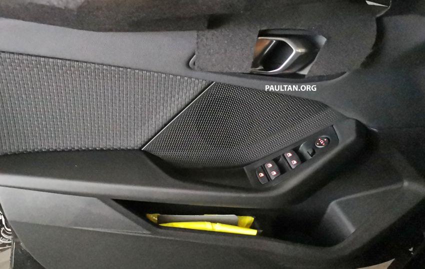 SPYSHOTS: F40 BMW 1 Series caught, interior seen Image #956663