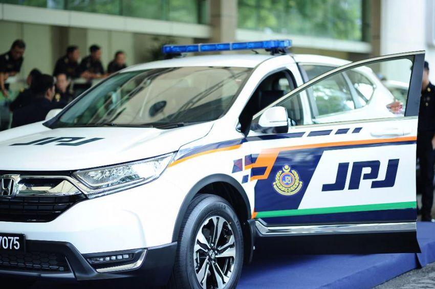 PLUS hands over 10 units of Honda CR-V 2.0L to JPJ Image #960484