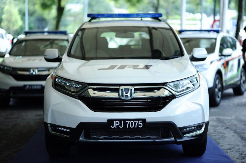 PLUS hands over 10 units of Honda CR-V 2.0L to JPJ Image #960476